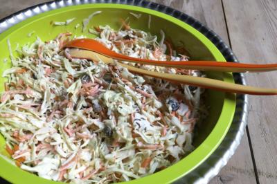Koolsalade met komijn – Coleslaw maken