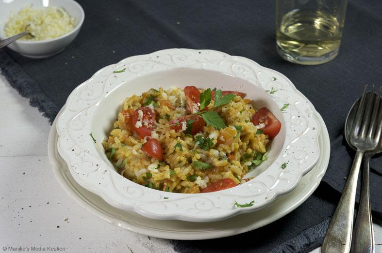 Tomatenrisotto met scamorza en peterselie