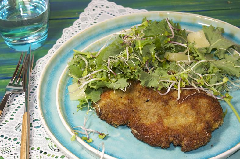Picadillo gehaktschnitzel met boerenkoolsalade