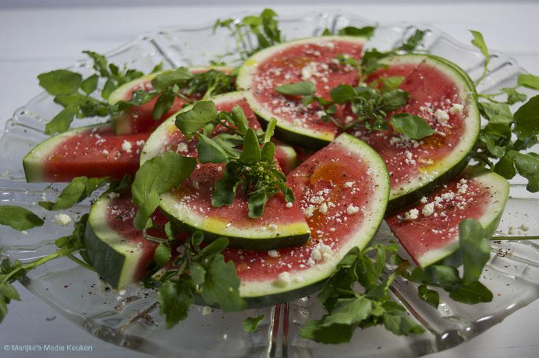 Watermeloensalade met tulum kaas en waterkers