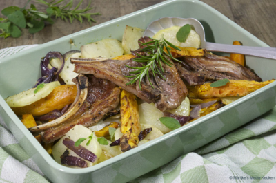 Geroosterde koolrabi met zoete aardappel en lamskoteletjes