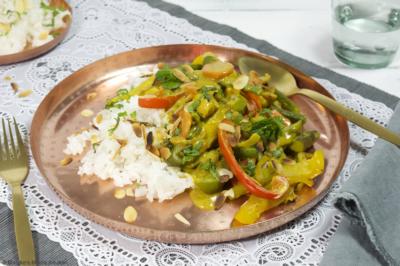 kipcurry met veel groenten