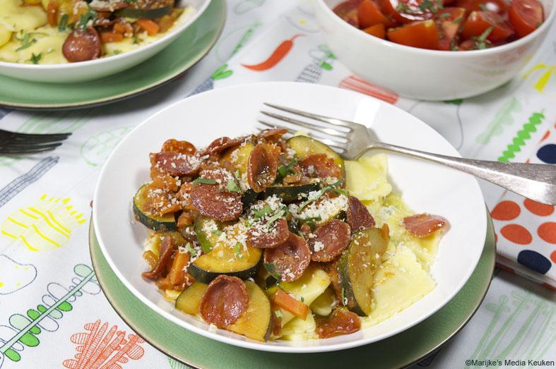 Ravioli met wortel, courgette en Italiaanse worst