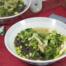 Chinese kippensoep met boontjes, paksoi en zeewiernoedels