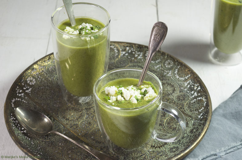 Groene groentesoep met basilicum en feta