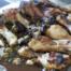 Kip met olijven, kappertjes en dadels