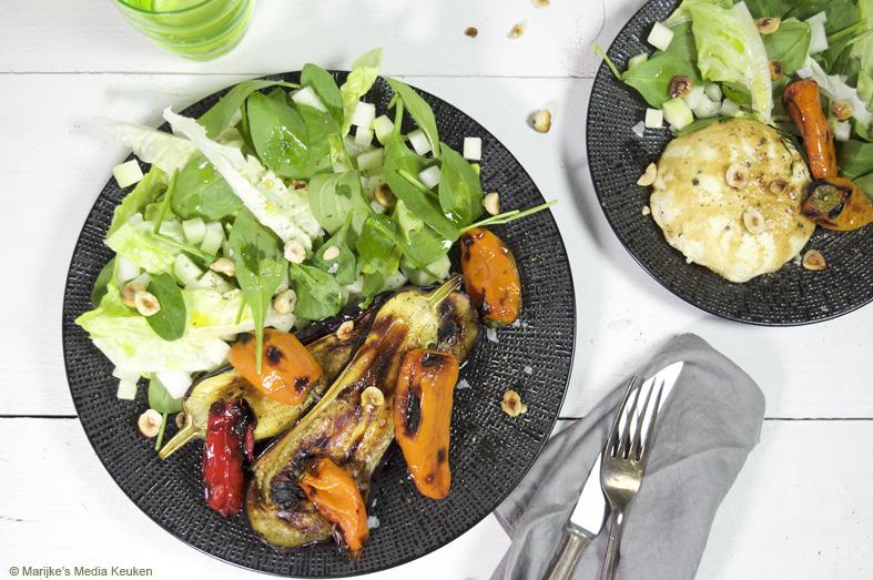Salade met geroosterde aubergine en schapenkaas