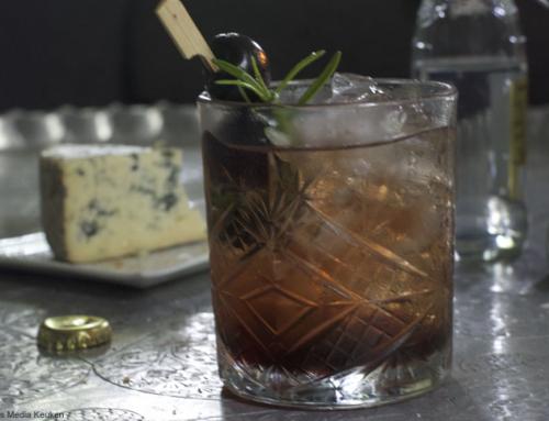 Gin-tonictime! Gin-tonic met kersen en rozemarijn