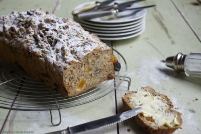 Noten-vruchtenbrood zonder gist