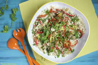 recept bloemkoolcouscoussalade met kip, paprika en groene kruiden