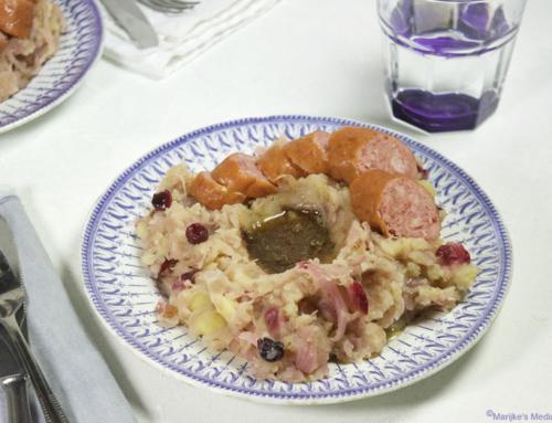 Zuurkoolstamppot met cranberry's en spekjes