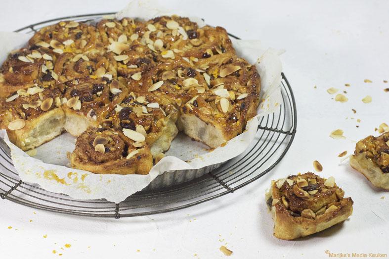 Kaneelrolletje met noten, chocolade en sinaasappel maken