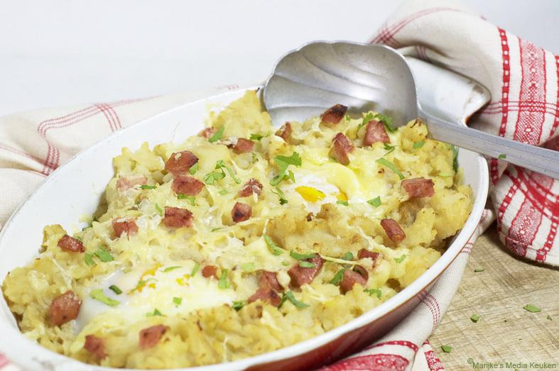 Zuurkoolstamppot met kaas en ei uit de oven maken