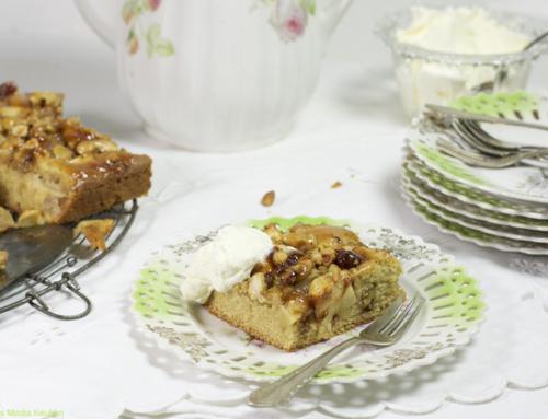 Plaatcake met appel en noten