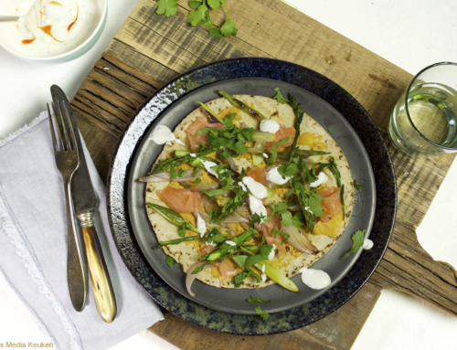 Flatbread met geroosterde asperges en zalm