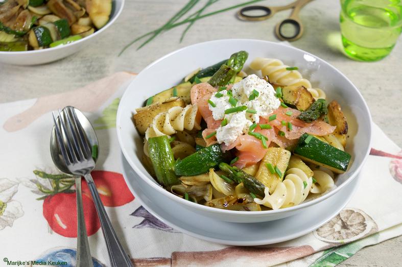 Pasta met groene groenten en ricotta maken