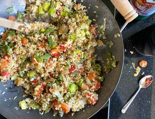 Half/half nasi met veel groenten en kip